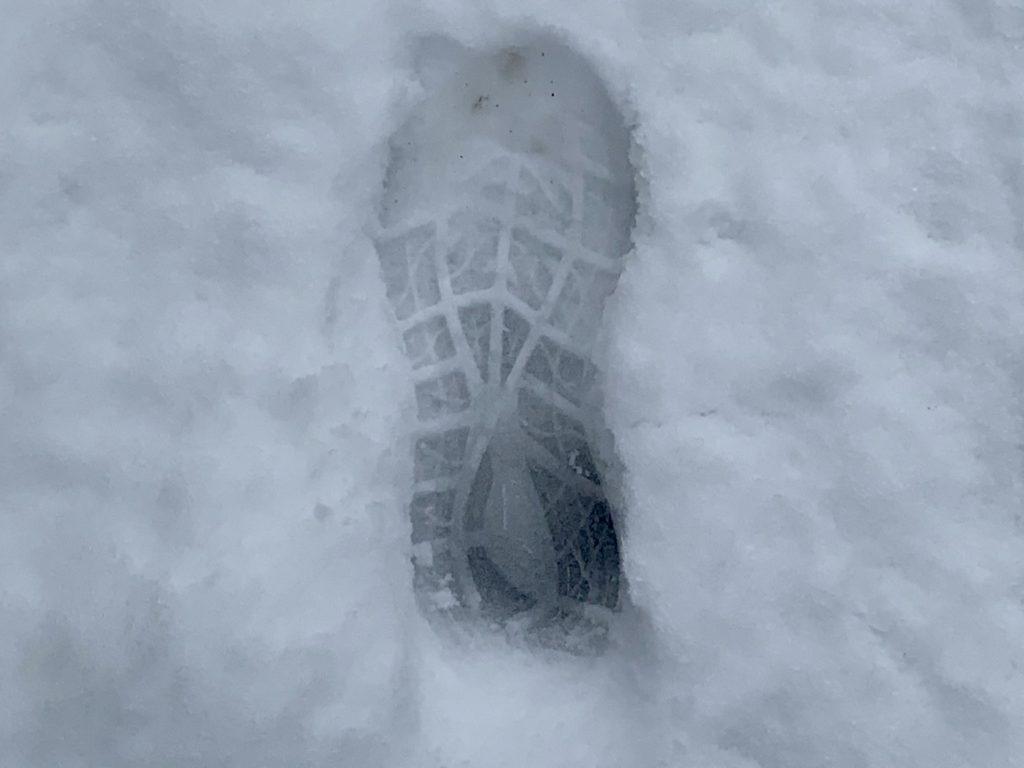 積雪後のランニング、いつでもその一歩から