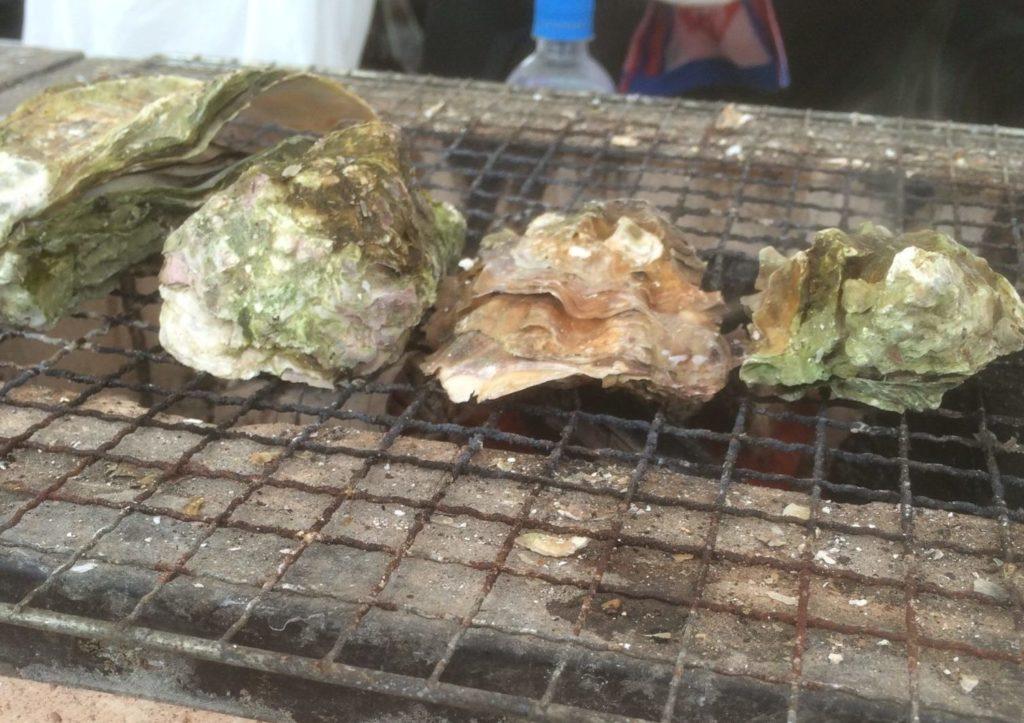 能登和倉万葉の里マラソンゴールが焼き牡蠣サービス