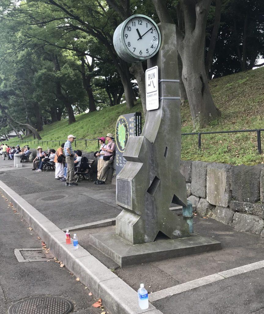 皇居ラン、アシックス時計台