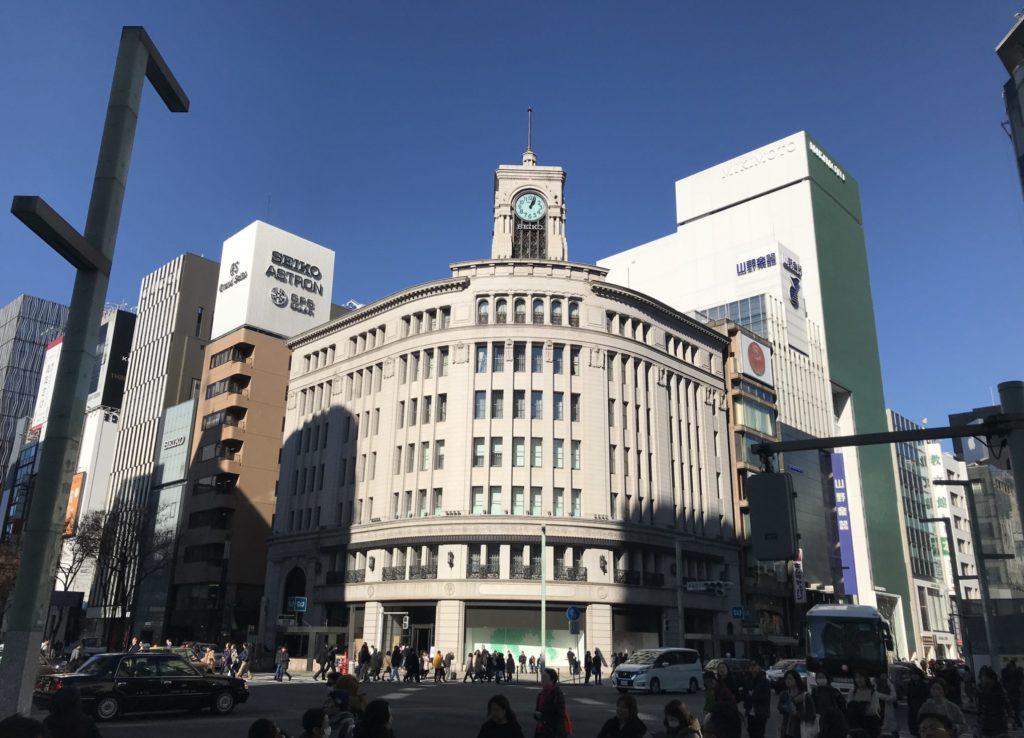 東京マラソンコースで賑やかな銀座