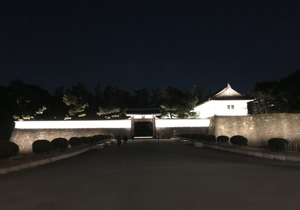 夜の皇居ラン、桜田門を通過