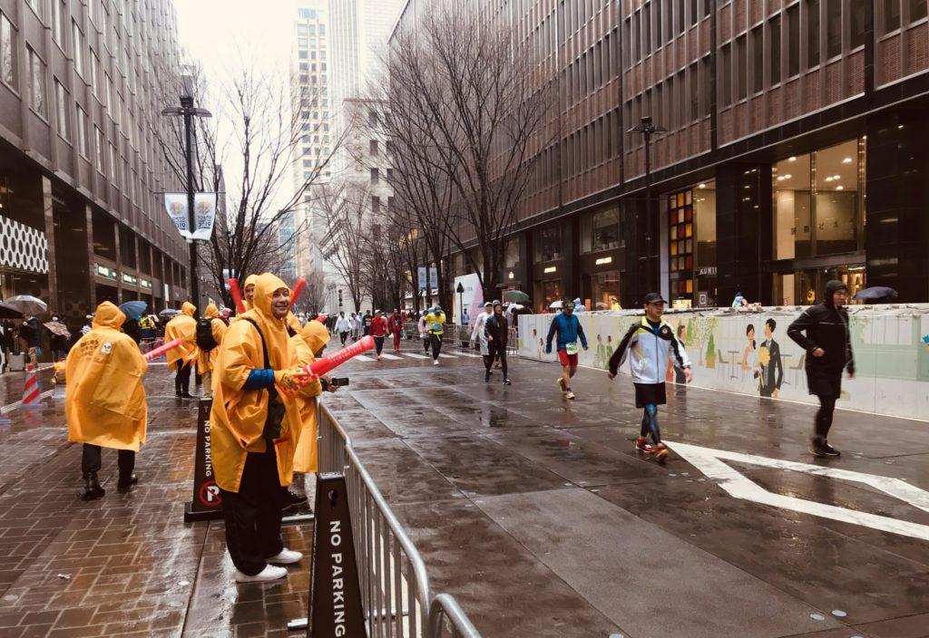 東京マラソン、丸の内仲通り