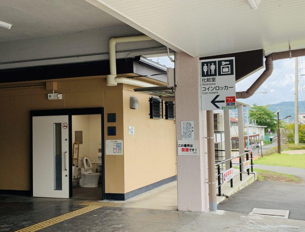 下諏訪駅のトイレとコインロッカー