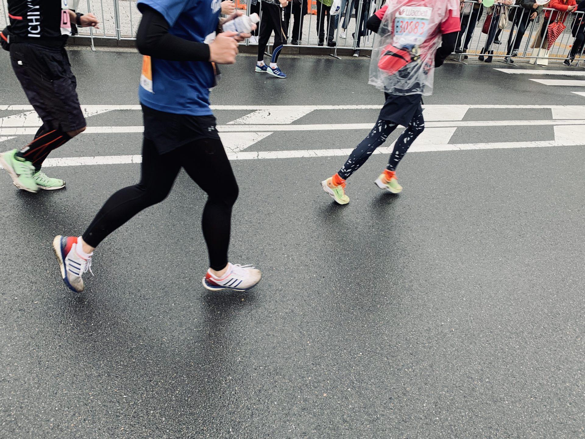 雨の京都マラソン2020、ゴール直前