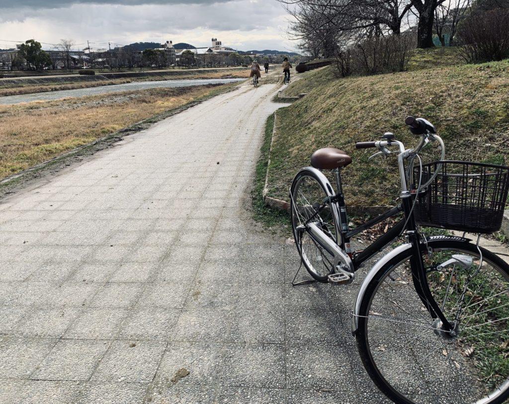 京都マラソン河川敷コースの路面