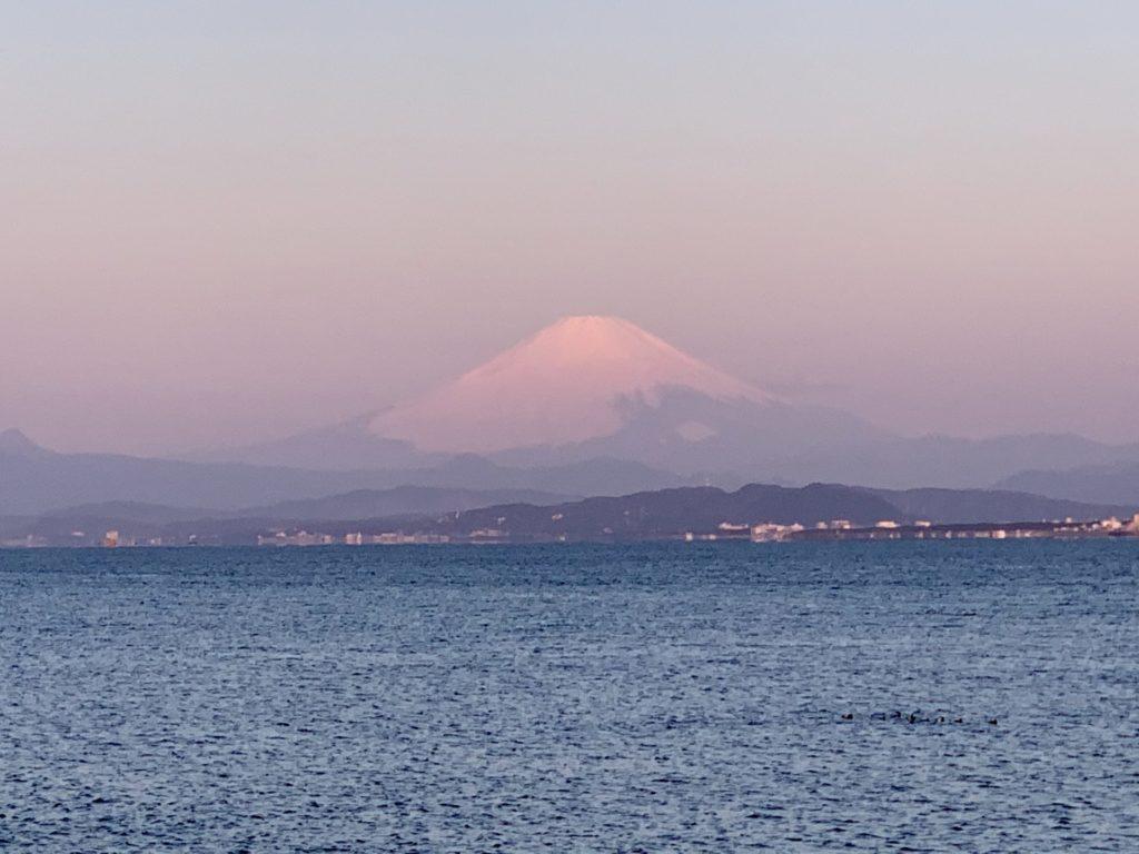 紅富士を拝み江ノ島から湘南ランニングへ