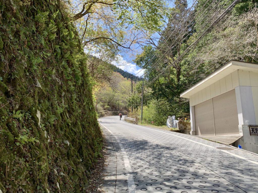 御嶽坂道ランはロープウェイ乗場手前が急