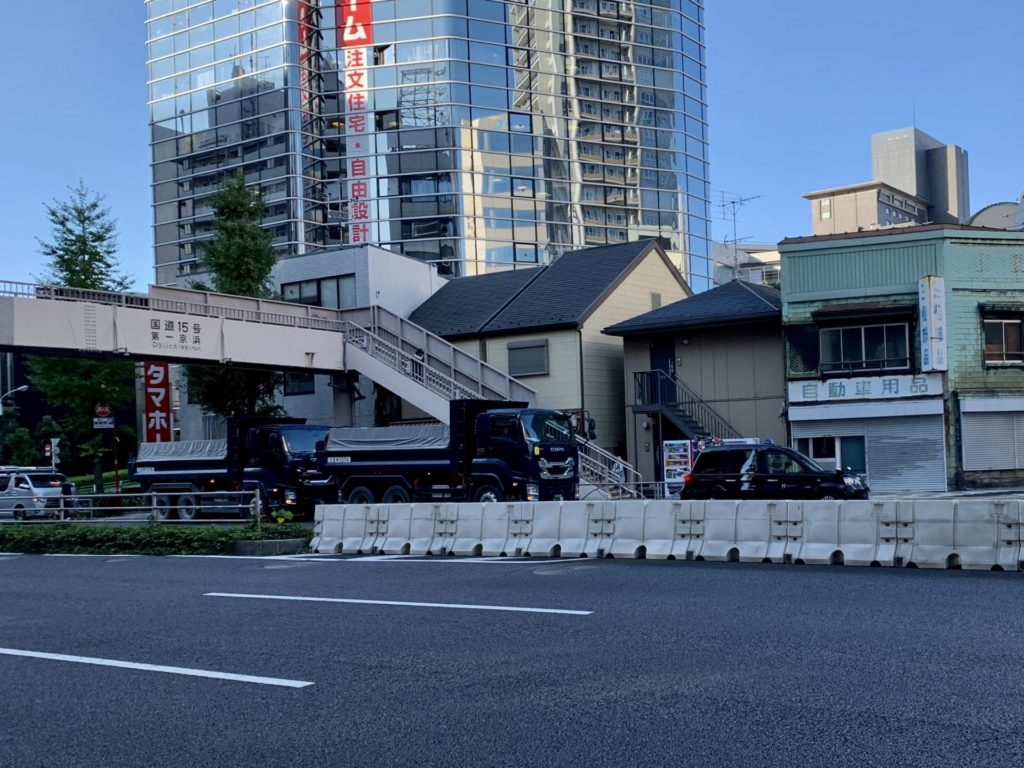 東京マラソン品川折り返し地点を通過