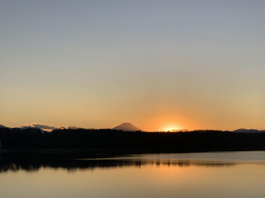 富士山と多摩湖