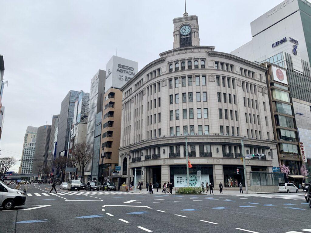 和光の時計塔は東京マラソンコース