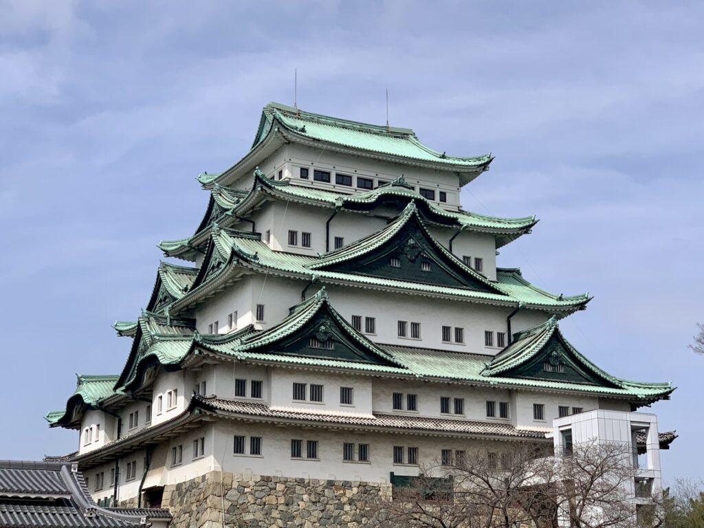 金のシャチホコがない名古屋城