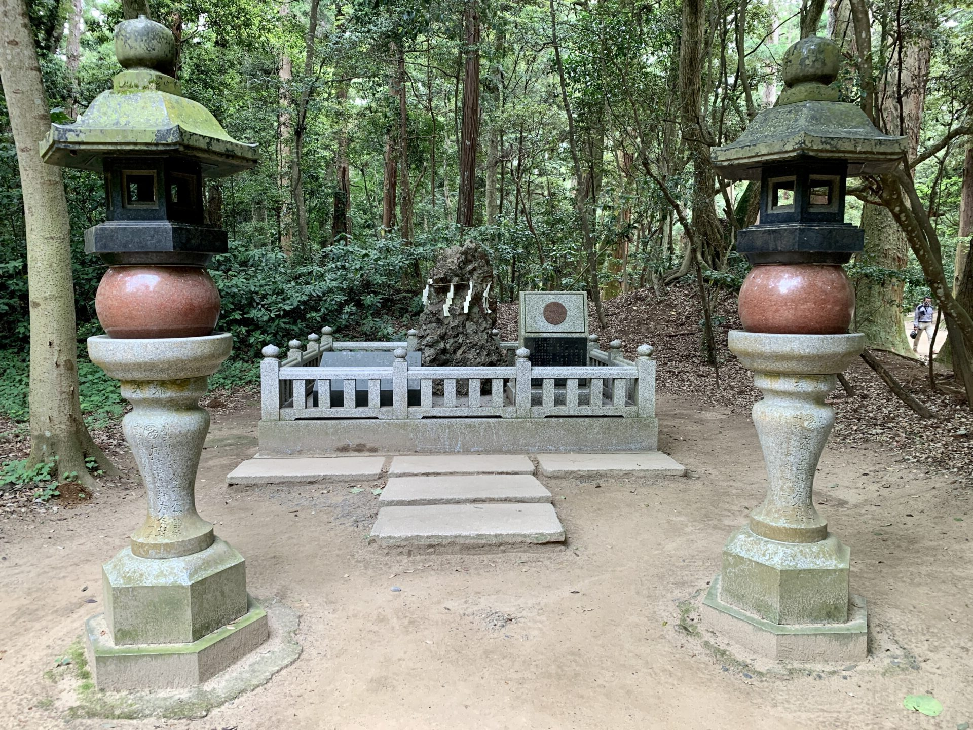 さざれ石を鹿島神宮で発見
