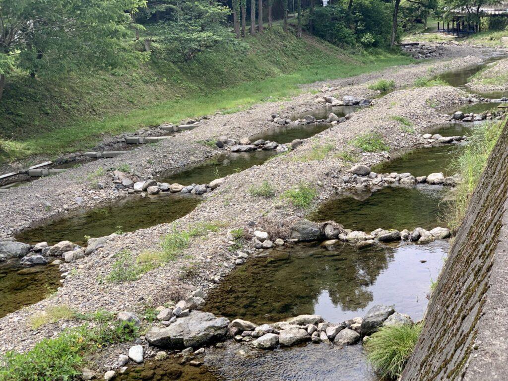 つるつる温泉までランニング、川沿いの風景に癒される