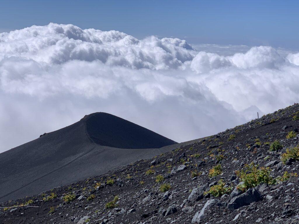 宝永山と雲海