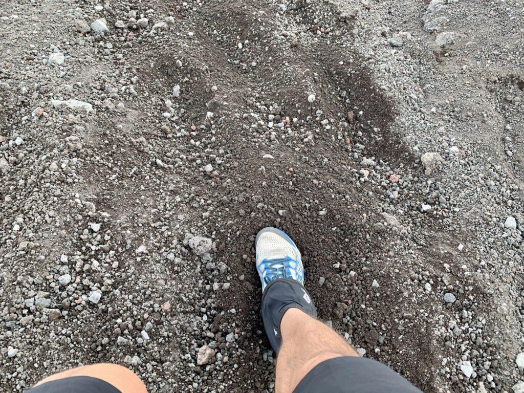 砂走りにはサロモンのゲイターが大活躍