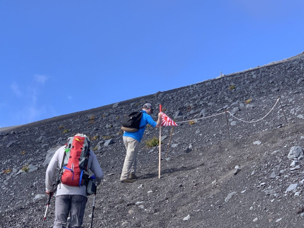 富士登山で外国人と抜きつ抜かれつ