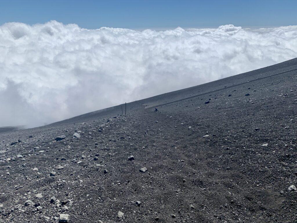 大砂走りで雲の中へ突入