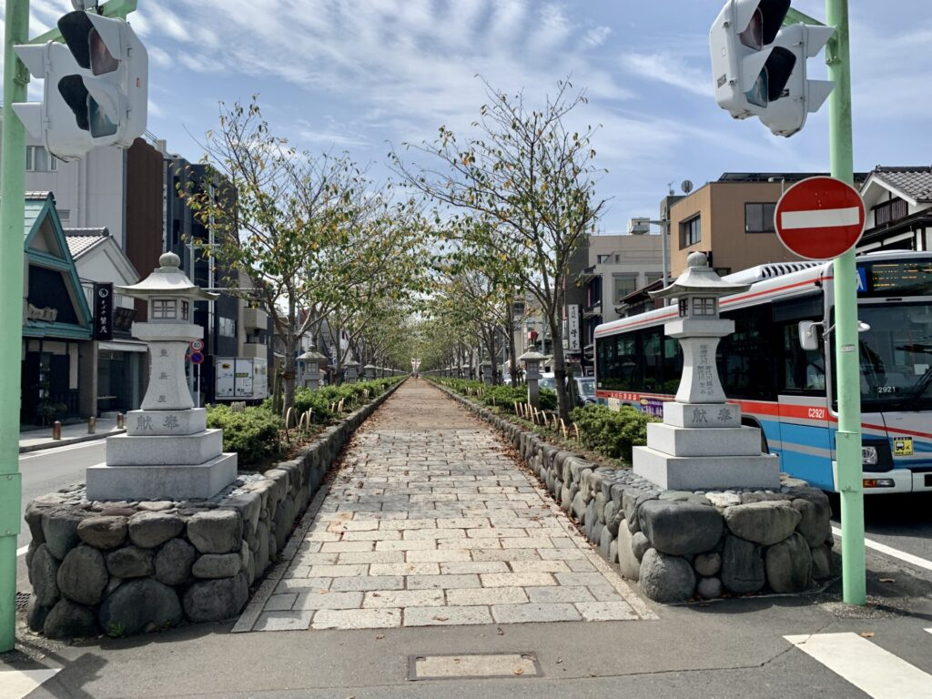 湘南ランニング、鶴岡八幡宮の参道を海まで真っ直ぐ