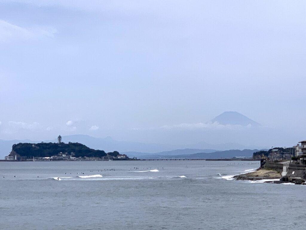 湘南ランニング、稲村ヶ崎から江ノ島と富士山を望む