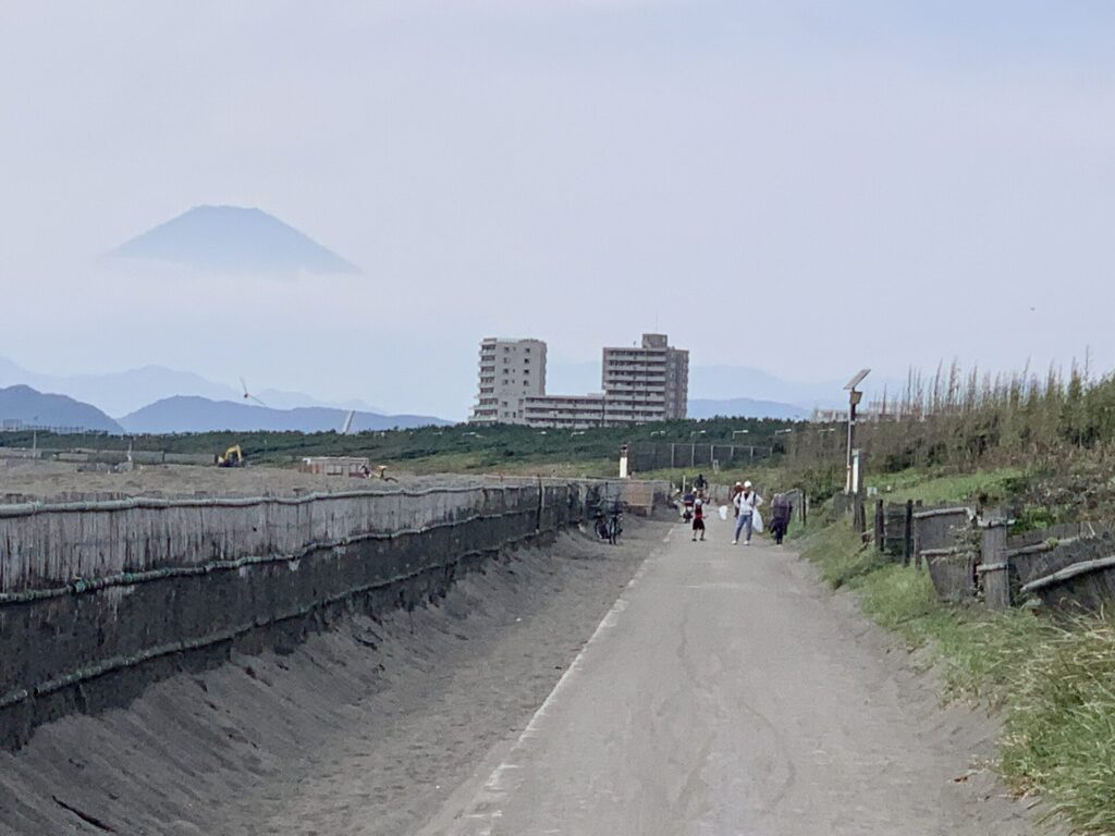 湘南サイクリングロードと富士山