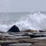 波しぶき立つ柳島にて